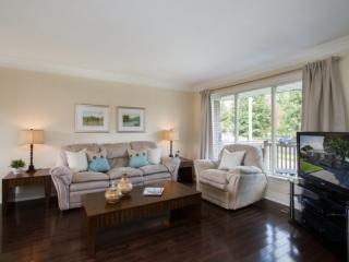 Sample living room photo by Paula Kennedy of Purple Door Creative