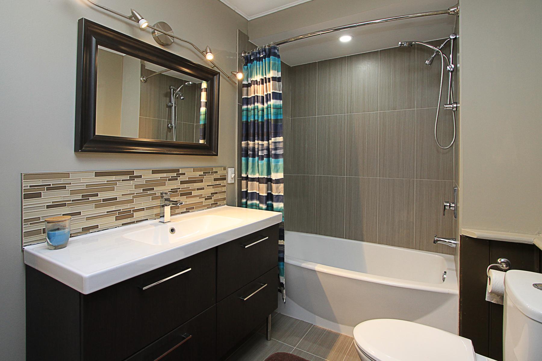Sample bathroom photo by Paula Kennedy of Purple Door Creative