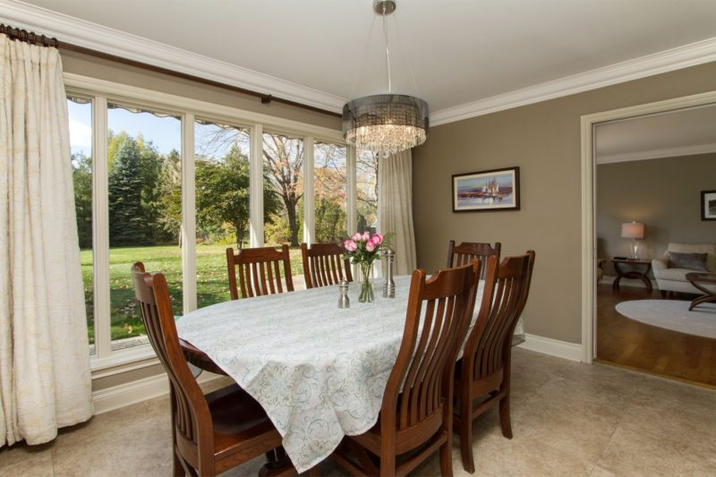 Sample dining room image by Paula Kennedy of Purple Door Creative