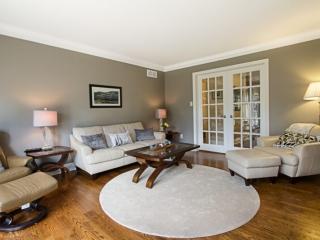 Sample living room image by Paula Kennedy of Purple Door Creative