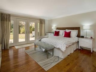 Sample master bedroom image by Paula Kennedy of Purple Door Creative
